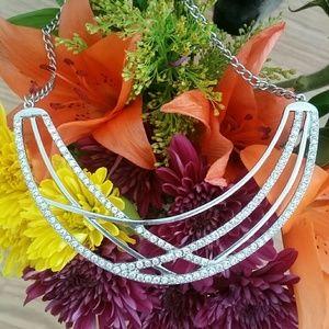 Jewelry - Silver Rhinestone adjustable statementnecklace